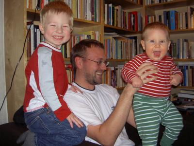 Tre glada barn